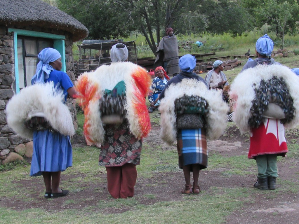 Female traditional dancers