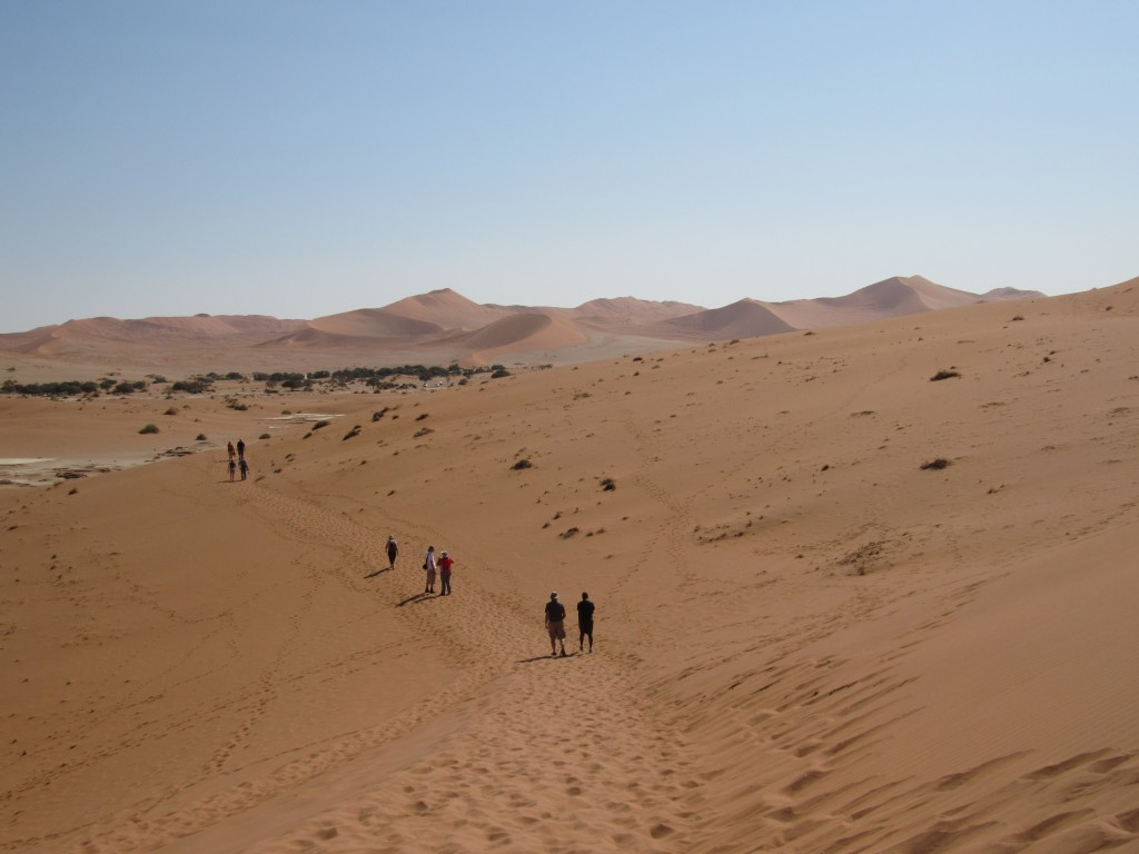 The trail to Deadvlei